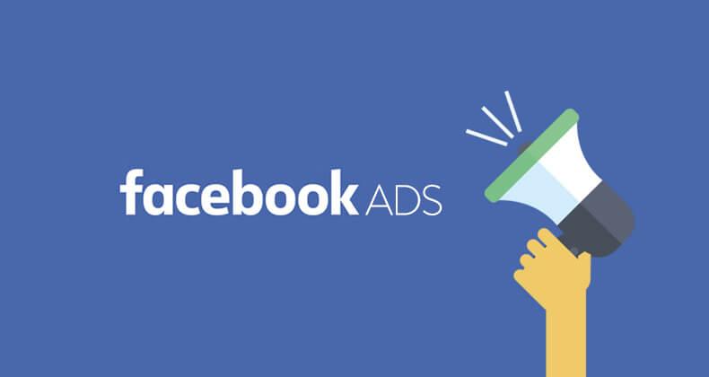 Logo de Facebook Ads y una mano sujetando un megáfono